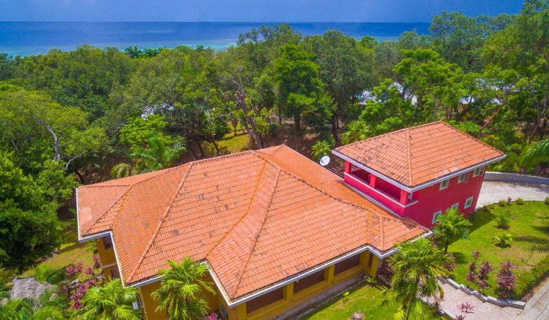 Honduras Real Estate The Residences, Lawson Rock, Roatan